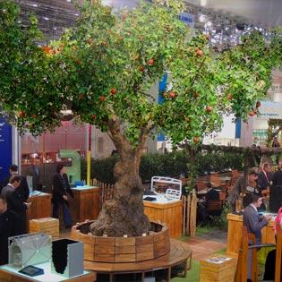 Kunstbäume mit Glasfaserstamm