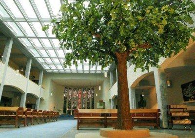 Kunstbaum in der Reformationskirche Essen.