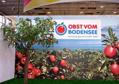 Apfel-Kunstbaum als Messestand-Dekoration