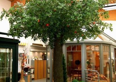 Kunstbaum als Blickfang und Dekoration