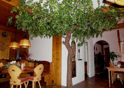 Apfelbaum als Gastronomie-Dekoration