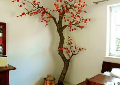 Deko Baum als Eck-Dekoration (ca. 240 cm hoch) mit Wildäpfeln