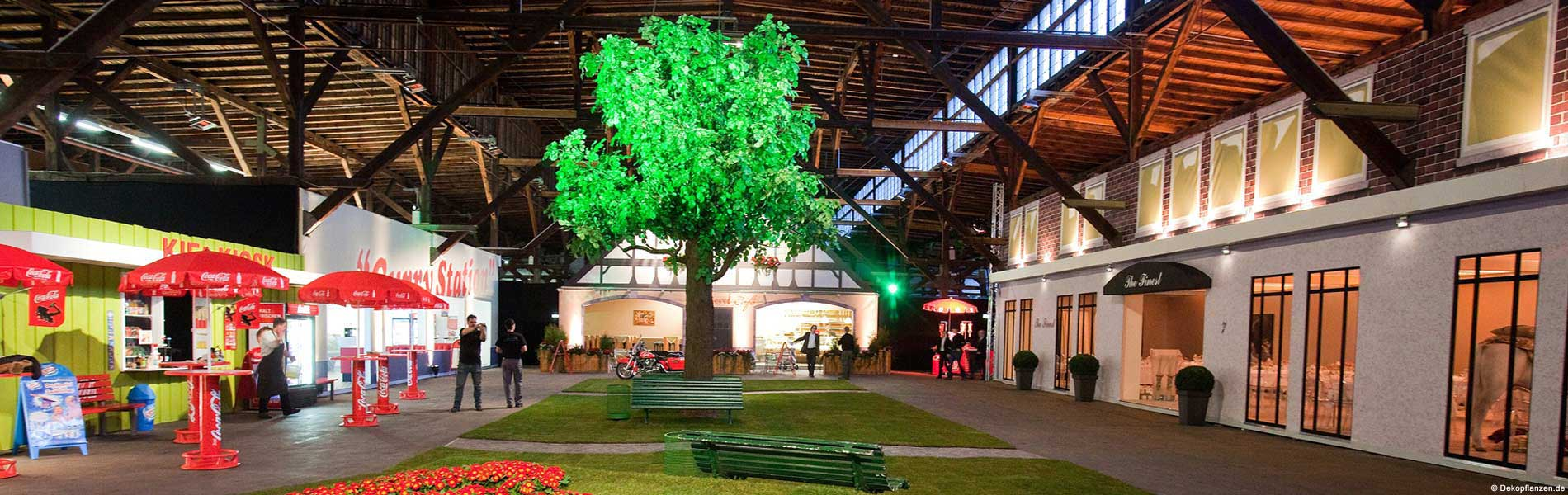 Großer Kunstbaum von Hadjisky auf einem Event