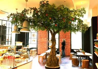 Apfel-Kunstbaum als Dekoration