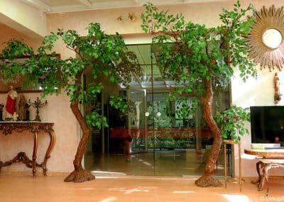 Zwei Dekobäume (240 cm hoch) grün belaubt